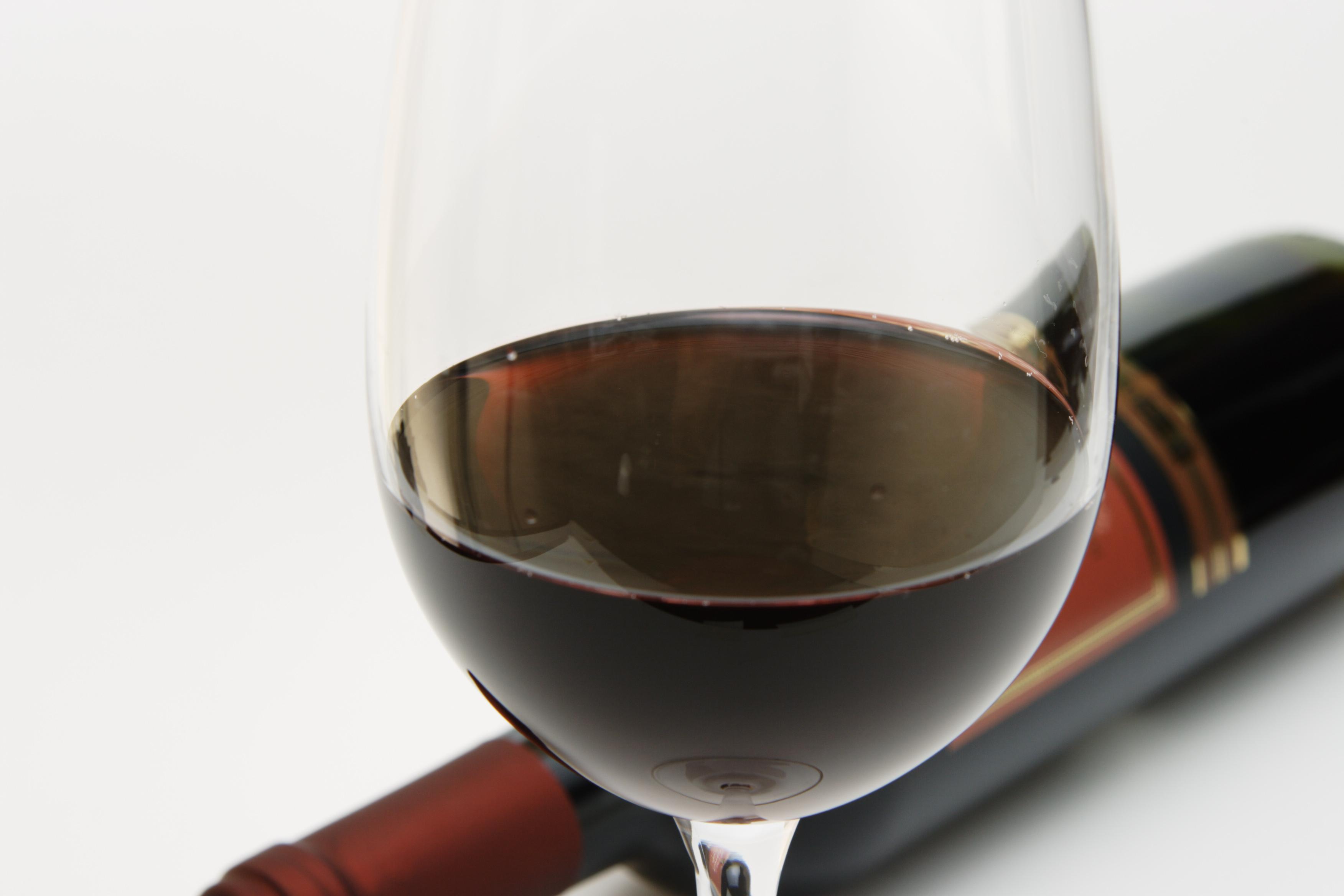 プチプラなワインも贅沢な味になりそうなグラス&アイテム