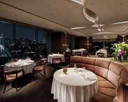 パレスホテル東京 クラウン