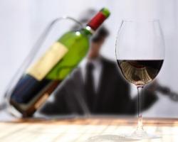 ICタグで偽造ワイン防止「コルクタグ」凸版印刷