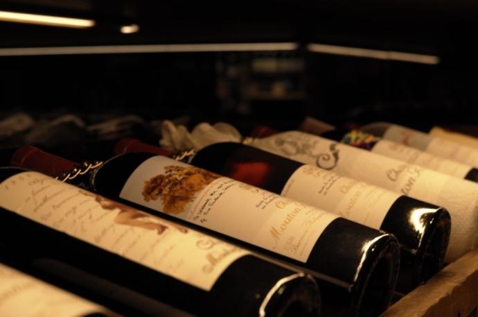 2万円の高級ワインを1杯365円で提供!「365 YEN BAR」フードバル&ワインショップ「TOKUOKA」