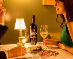 「bills 銀座」ペアリングイベント「ムートン・カデ ワインナイト」