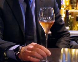 スマートな印象を与えたいなら!モテる男性に必須の簡単ワインマナー
