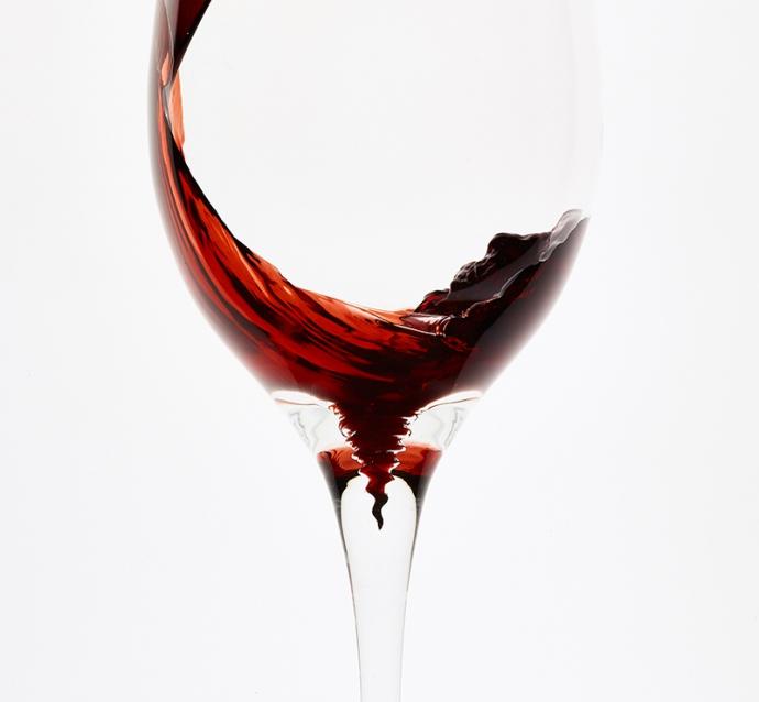 ワインの沈殿物を取り除ける『Spiraleワイングラス』クラウドファンディングにて先行発売